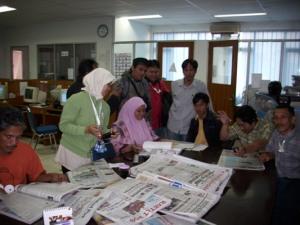 Aktivitas Para Redaktur di News Room Kantor Bangka Pos